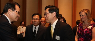Dr. Chung, Speaker of the National Assembly(Left) and Dr. Kim(Right)
