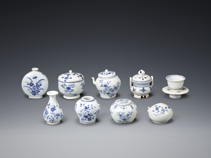 Blue and White Porcelain Burial Objects
